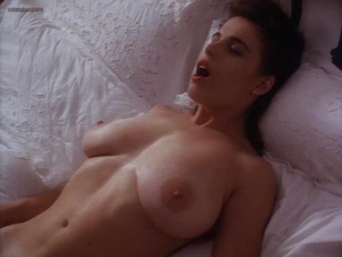 Shannon Whirry desnuda en – Animal Instincts (1992)